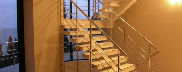 Косоурная лестница-2