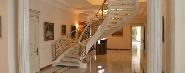 Лестница в резиденции