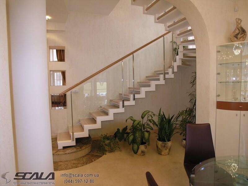 Монолитная лестница в доме