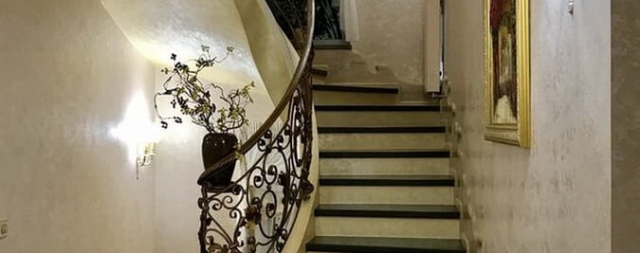 Лестница гладко подшитая бетонная green wood club-2