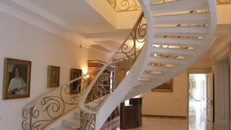 Тетивные лестницы