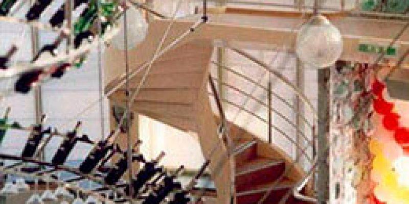 Лестницы: дома становятся уютней и удобней