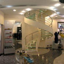 Винтовая лестница в магазине