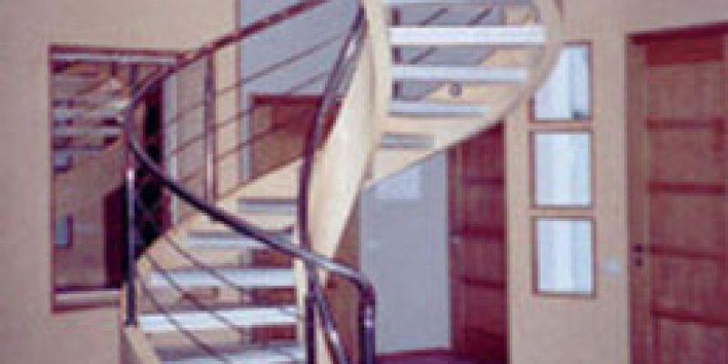 Винтовые лестницы Киева на тетиве